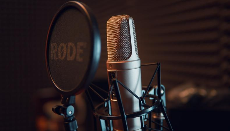 Tips to become a voice over artist